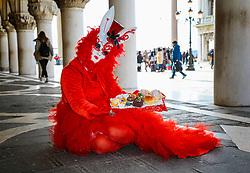 February 5, 2018 - Venice, Italy - Revellers wearing traditional carnival costume pose in Venice, Italy, during Venice's Carnival, on February 5, 2018. (Credit Image: © Matteo Chinellato/NurPhoto via ZUMA Press)