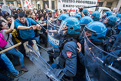 May 1, 2019 - Turin, Italy - Protesters clash with Italian riot police officers during the celebration of  May Day  (International Workers Day ) in Turin, Italy on 1st May 2019. (Credit Image: © Mauro Ujetto/NurPhoto via ZUMA Press)