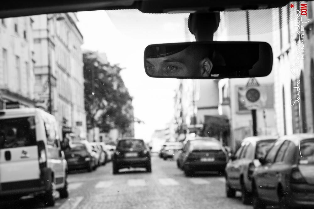 mardi 9 août 2016, 18h16, Paris VIII. Chauffeur du 12ème Régiment de Cuirassiers lors d'une patrouille dans l'arrondissement.<br /> <br /> Découvrir le livre Sentinelles, ils veillent sur Paris http://www.editionspierredetaillac.com/nos-ouvrages/catalogue/beaux-livres/sentinelles-ils-veillent-sur-paris