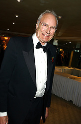 News presenter JON SNOW at the Chain of Hope 10th Anniversary Ball held at The Dorchester, Park Lane, London on 1st November 2005.<br /><br />NON EXCLUSIVE - WORLD RIGHTS