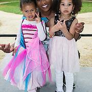 NLD/Baarn/20140423 - Perspresentatie Prinsessia, Edsilia Rombley en dochter Imaani en nichtje