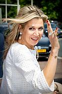 Koningin Máxima woont het jaarlijkse symposium bij van platform Wijzer in geldzaken.