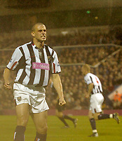 Photo. Glyn Thomas, Digitalsport<br /> West Bromwich Albion v Blackburn Rovers. <br /> Barclays Premiership. 26/04/2005.<br /> West Brom's Neil Clement (L) cannot believe he has missed a chance to score a goal.