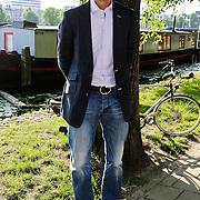"""NLD/Amsterdam/20100614 - Boekpresentatie Daphne Deckers """" Laat Maar Waaien"""", Richard Krajicek"""