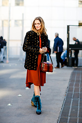 Street style, Sofia Sanchez de Betak arriving at Chloe spring summer 2019 ready-to-wear show, held at Maison de la Radio, in Paris, France, on September 27th, 2018. Photo by Marie-Paola Bertrand-Hillion/ABACAPRESS.COM