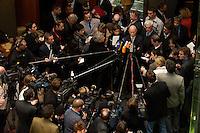 01 DEC 2004, BERLIN/GERMANY:<br /> Peter Struck, SPD, Bundesverteidigungsminister, gibt ein Pressestatement, waehrend einer Sitzungpause des Verteidigungsauschusses des Deutschen Bundestages, Paul-Loebe-Haus <br /> IMAGE: 20041201-01-060<br /> KEYWORDS: Jornalist, Journalisten, Mikrofon, microphone, Kamera, Camera