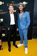 Nederlandse galapremiere van de Disney-klassieker Lion King in Pathe Tuschinski, Amsterdam.<br /> <br /> Op de foto:   Juvat Westendorp en Rein van Duivenboden
