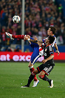 Atletico de Madrid´s Mandzukic (L) and Bayer 04 Leverkusen´s Wendell during the UEFA Champions League round of 16 second leg match between Atletico de Madrid and Bayer 04 Leverkusen at Vicente Calderon stadium in Madrid, Spain. March 17, 2015. (ALTERPHOTOS/Victor Blanco)