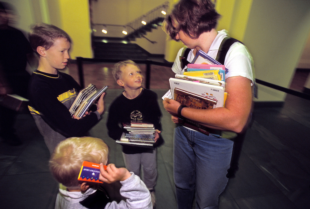 Jeanne takes the kids on a field trip to the Los Angeles Central Library. They took the subway to the downtown library where each was allowed to check-out any 10 books on their own library card.