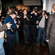 NLD/Amsterdam/20100202 - Perspresentatie X-Factor 2010, Gordon Heuckeroth word uitgebreid gefotografeerd