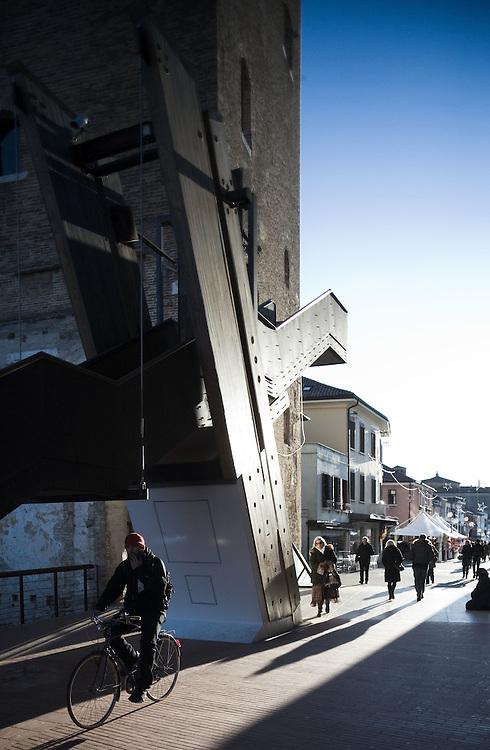 Mestre (Venezia) - La Torre e piazzetta E. Matter