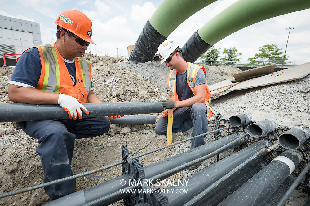 Corporate and Commercial Photography  <br /> by Mark Skalny 1-888-658-3686  <br /> www.markskalny.com<br /> #MSP1207