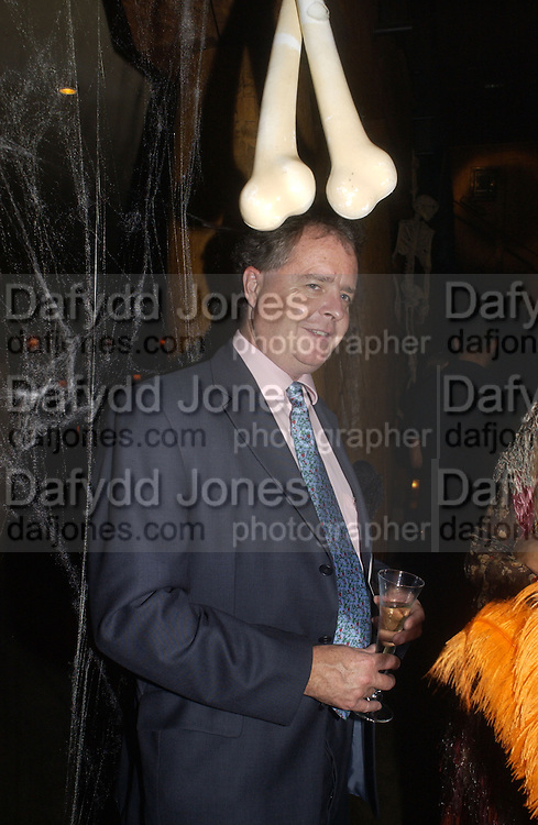 GUY WESTON. Halloween Party in aid of the MS Society. The Collection. 31 October 2005. ONE TIME USE ONLY - DO NOT ARCHIVE © Copyright Photograph by Dafydd Jones 66 Stockwell Park Rd. London SW9 0DA Tel 020 7733 0108 www.dafjones.com