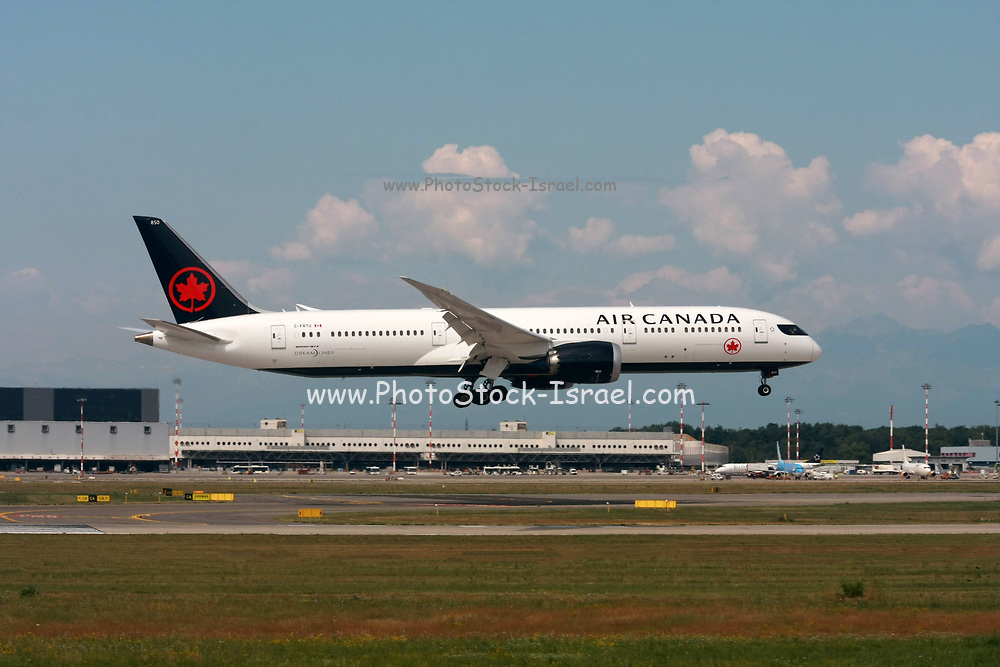 C-FRTU Air Canada Boeing 787-9 Dreamliner Photographed at Malpensa airport, Milan, Italy