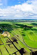 Nederland, Noord-Holland, Gemeente Ouder-Amstel, 27-09-2015; Amstelland, Polder de Rondehoep (Polder de Ronde Hoep), een van de grootste onbebouwde weidegebieden van de Randstad met karakteristiek stervormig kavelpatroon. Dit slotenpatroon van gerende verkaveling is ontstaan ten tijde van de ontginning in de middeleeuwen. Aan de horizon Ouderkerk, Amsterdam Zuid-as en Zuid-Oost.<br /> The Polder Round Hoep), one of the largest undeveloped pasture area's in the Randstad with characteristic star-shaped pattern. This pattern is the result of the extraction during the Middle Ages.<br /> luchtfoto (toeslag);<br /> aerial photo (additional fee required);<br /> foto/photo Siebe Swart