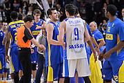 DESCRIZIONE : Eurolega Euroleague 2015/16 Group D Dinamo Banco di Sardegna Sassari - Maccabi Fox Tel Aviv<br /> GIOCATORE : Guy Pnini Joe Alexander<br /> CATEGORIA : Postgame Fair Play<br /> SQUADRA : Maccabi Fox Tel Aviv<br /> EVENTO : Eurolega Euroleague 2015/2016<br /> GARA : Dinamo Banco di Sardegna Sassari - Maccabi Fox Tel Aviv<br /> DATA : 03/12/2015<br /> SPORT : Pallacanestro <br /> AUTORE : Agenzia Ciamillo-Castoria/L.Canu