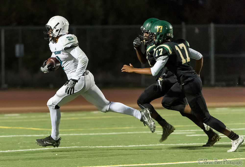 Sheldon High School Husky Alex Cook (2), catches the ball for a touchdown making the score 7-0 after the point after attempt was good during the first quarter as the Monterey Trail Mustangs host the Sheldon High School Huskies Friday Sep 23, 2016.<br /> photo by Brian Baer