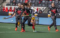 AMSTELVEEN - Sabine Plonissen (Adam) tijdens de halve finale wedstrijd dames EURO HOCKEY LEAGUE (EHL),  Amsterdam-HC Den Bosch. (1-1) Den Bosch wint shoot outs en plaats zich voor de finale.  COPYRIGHT  KOEN SUYK