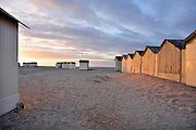 Frankrijk, Ouistreham, 12-5-2013Strandhuisjes op het strand van deze badplaats in Normandie.Foto: Flip Franssen/Hollandse Hoogte