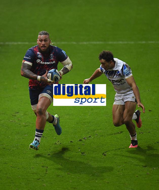 Rugby Union - 2020 / 2021 Gallagher Premiership - Bristol Bears vs Bath - Ashton Gate<br /> <br /> Bristol Bears' Nathan Hughes evades the tackle of Bath Rugby's Gabriel Hamer-Webb.<br /> <br /> COLORSPORT