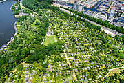 Nederland, Noord-Holland, Amsterdam, 29-06-2018; Amstel met volkstuinpark Amstelglorie. Het park vormt een Groene long aan de Amstel, ingeklemd tussen A2, A10 en Zuid-as: Amstelscheg.<br /> Allotment park at river Amstel, South-Amsterdam. <br /> luchtfoto (toeslag op standard tarieven);<br /> aerial photo (additional fee required);<br /> copyright foto/photo Siebe Swart
