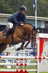 Thijssen Leon-Liefhebbers Twister<br /> KWPN Paardendagen Ermelo 2004<br /> Photo © Hippo Foto