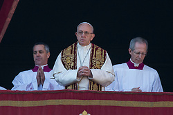 "Pope Francis delivers his traditional Christmas Message and ""Urbi et Orbi"" Blessing from the balcony of St Peter's basilica at Saint Peter's Square in Vatican City on December 25, 2017. 25 Dec 2017 Pictured: Pope Francis on the balcony of St Peter's basilica during the traditional ""Urbi et Orbi"" Christmas Blessing at Saint Peter's Square in Vatican City on December 25, 2017. Photo credit: Stefano Costantino / MEGA TheMegaAgency.com +1 888 505 6342"