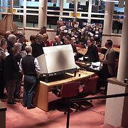 Uitleg stemcomputers aan kiesdistricten gemeente Huizen, verkiezingen