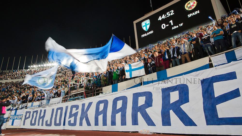 Pohjoiskaarre. MM-karsintaottelu Suomi-Espanja. Olympiastadion, Helsinki, Suomi. 6.9.2013.