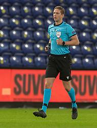 Dommer Espen Andreas Eskås (Norge) under venskabskampen mellem Danmark og Sverige den 11. november 2020 på Brøndby Stadion (Foto: Claus Birch).