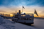ÖSTERSUND 20210109<br /> Fotopromenad i Badhusparken, Östersund.<br /> Ångaren Thomée ligger fastfrusen i isen nere i hamnen.<br /> <br /> Foto: Per Danielsson/Projekt.P