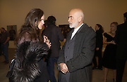BETTINA VON HASE AND FRANCESCO CLEMENTE. SELF PORTRAITS BY Francesco Clemente. Gagosian Gallery. Britannia St. Kings X. London.  7 December  2005.ONE TIME USE ONLY - DO NOT ARCHIVE  © Copyright Photograph by Dafydd Jones 66 Stockwell Park Rd. London SW9 0DA Tel 020 7733 0108 www.dafjones.com