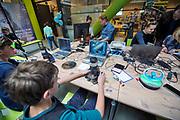 Nederland, Nijmegen, 28-9-2019 Open dag voor kinderen en hun ouders in het Technovium. De school, MBO ROC voor techniek . Foto: Flip Franssen