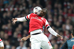 19.02.2014, Emirates Stadion, London, ENG, UEFA CL, FC Arsenal vs FC Bayern Muenchen, Achtelfinale, im Bild l-r: im Zweikampf, Aktion, Kopfballduell mit Yaya Sanogo #22 (FC Arsenal London), Thiago ALCANTARA #6 (FC Bayern Muenchen) // during the UEFA Champions League Round of 16 match between FC Arsenal and FC Bayern Munich at the Emirates Stadion in London, Great Britain on 2014/02/19. EXPA Pictures © 2014, PhotoCredit: EXPA/ Eibner-Pressefoto/ Kolbert<br /> <br /> *****ATTENTION - OUT of GER*****