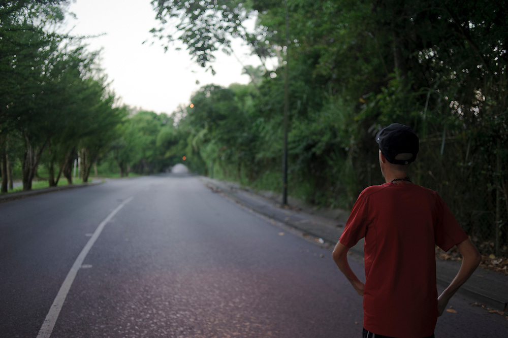 The streets of Caracas have become Maickel's main place for his work out. August 21st, 2011.
