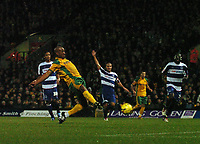Photo: Ashley Pickering.<br />Norwich City v Queens Park Rangers. Coca Cola Championship. 30/12/2006.<br />Dion Dublin fires in the winning goal for Norwich