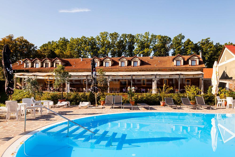 19-09-2015: Golf & Spa Resort Konopiste in Benesov, Tsjechië.<br /> Foto: Het Steakhouse-gebouw bij het Spa & Wellness centrum
