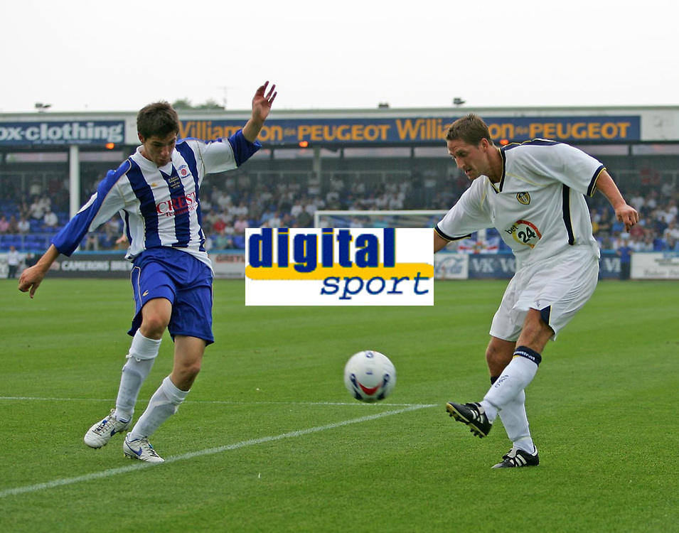 Photo: Andrew Unwin.<br />Hartlepool United v Leeds United. Pre Season Friendly. 22/07/2006.<br />Leeds' on-trial player, Robbie Elliott (R), looks to cross the ball.
