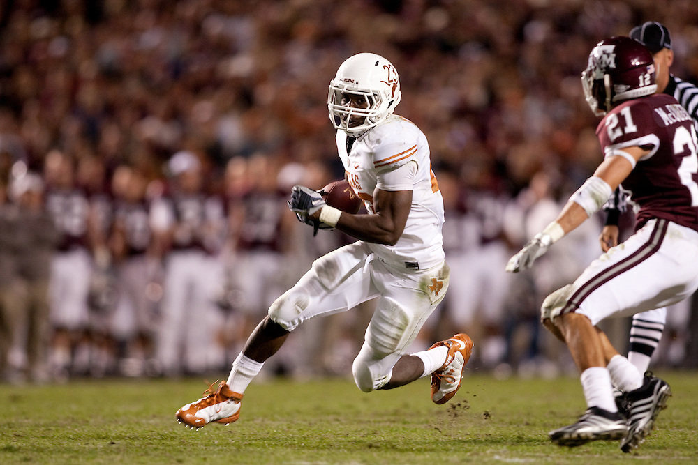 Tre' Newton # 23 RB. Texas Longhorns at Texas A&M Aggies. Photographed at Kyle Field in College Station, Texas on Thursday, November 26 2009. Photograph © 2009 Darren Carroll