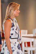 Hendrik-Ido-Ambacht, 09-09-2020, TheaterHangaar <br /> <br /> Koningin Maxima tijdens de landelijke MuziekTafeldag, georganiseerd door de stichting Méér Muziek in de Klas. Tijdens de bijeenkomst in de Theaterhangaar in Katwijk spreken verschillende regionale vertegenwoordigers over ervaringen en successen om duurzaam muziekonderwijs in hun regio te verankeren. Koningin Máxima is erevoorzitter van de stichting Méér Muziek in de Klas.<br /> <br /> Queen Maxima during the national Music Table Day, organized by the Méér Muziek in de Klas foundation. During the meeting in the Theaterhangaar in Katwijk, various regional representatives will talk about experiences and successes to anchor sustainable music education in their region. Queen Máxima is honorary chairman of the Méér Muziek in de Klas foundation.