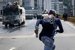 May 29, 2017 - Caracas, Venezuela - Manifestant (Credit Image: © Panoramic via ZUMA Press)