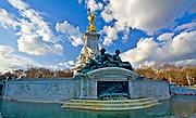 Londyn, 2009-03-06. Victoria Memorial, pomnik królowej Wiktorii przed Buckingham Palace