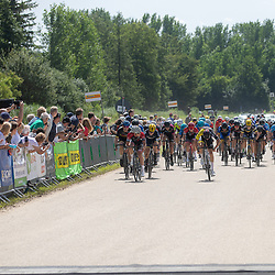 BIDDINGHUIZEN (NED) WIELRENNEN<br /> Zuiderzeeronde junioren<br /> Bjorn Baudoin heeft de Zuiderzeeronde voor junioren gewonnen.<br /> De renner uit Valkenswaard versloeg Sven Mulder in de sprint. Daarachter eiste de Belg De Beukelaar de derde plek op.