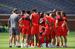 ANN ARBOR, USA - Friday, July 27, 2018: Liverpool players listen to manager Jürgen Klopp during a training session ahead of the preseason International Champions Cup match between Manchester United FC and Liverpool FC at the Michigan Stadium. (Pic by David Rawcliffe/Propaganda)