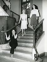 1946 Joyce MacKenzie (seated), Barbara Bettinger, Betty Caldwell & Narda Stokes at the Hollywood Studio Club.
