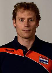 07-04-2014 NED: SELECTIE JONG ORANJE: ARNHEM<br /> Volleybalteam Jong Oranje / Matt van Wezel, bondscoach<br /> ©2014-FotoHoogendoorn.nl