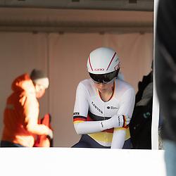 11-03-2021: Wielrennen: Healthy Ageing Tour: Lauwersoog <br />Lisa Klein