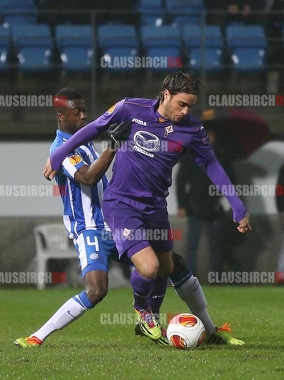 Alessandro Matri (Fiorentina) tackles af Davidson Drobo-Ampem (Esbjerg).