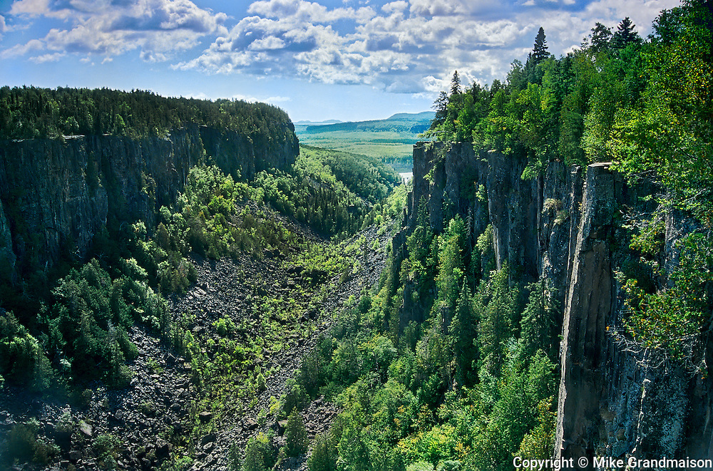 Ouimet Canyon<br /> Ouimet Canyon Provincial Park<br /> Ontario<br /> Canada