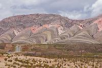 CERRO ESPINAZO DEL DIABLO Y RUTA 9, TRES CRUCES, QUEBRADA DE HUMAHUACA, PROV. DE JUJUY, ARGENTINA